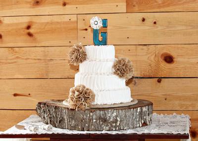Wedding Cake at Thompson Farms Bucksville Hall